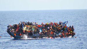 Migranti-naufragio-barcone-in-Libia-web