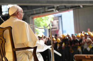 papa francesco lavoratori genova 2