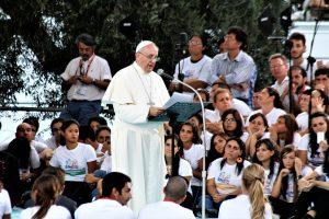 papa francesco giovani cagliari
