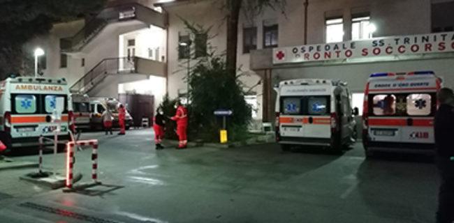 Ambulanze in attesa per troppe ore al SS. Trinità